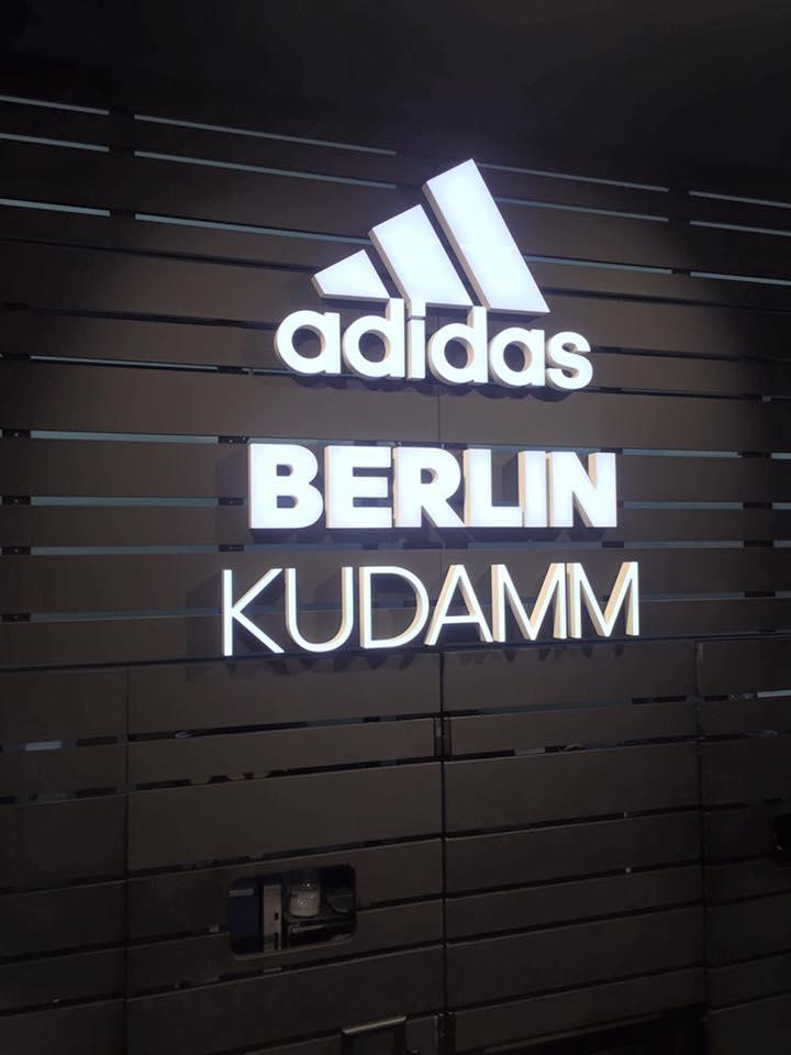 Michael Rummenigge besucht Adidas Store in Berlin