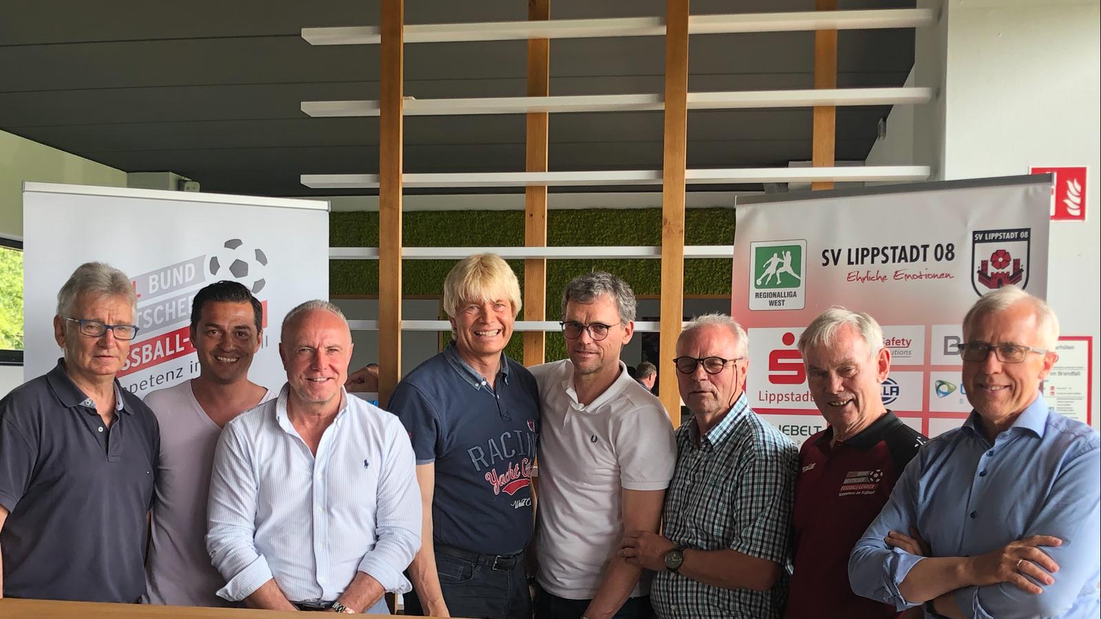 Michael Rummenigge besuchte die Fortbildung des Bundes Deutscher Fußball Lehrer in Lippstadt